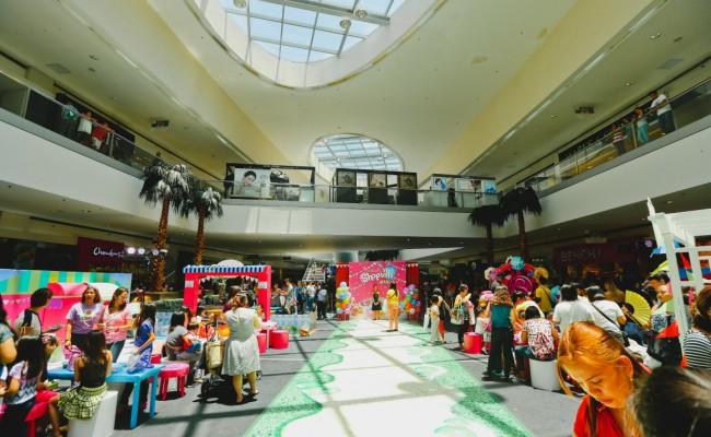 Maeko Goes To Shopville Manila!