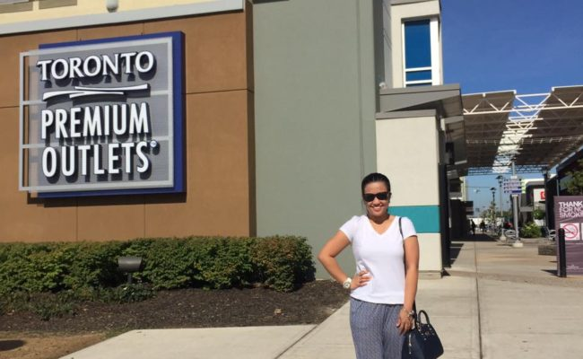 Canada Hits Day 1: Toronto Premium Outlets